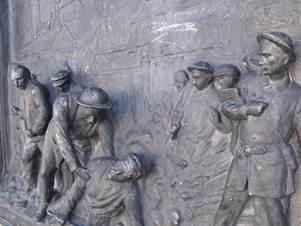 Monument aux morts de Bully-les-Mines