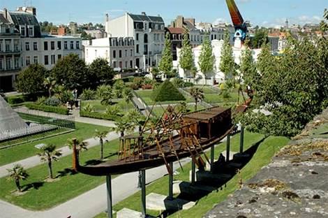 Le square Mariette Pacha