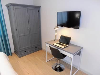 Espace bureau dans toutes les chambres