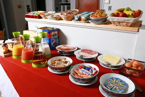 Petit-déjeuner buffet Hôtel Panoramic