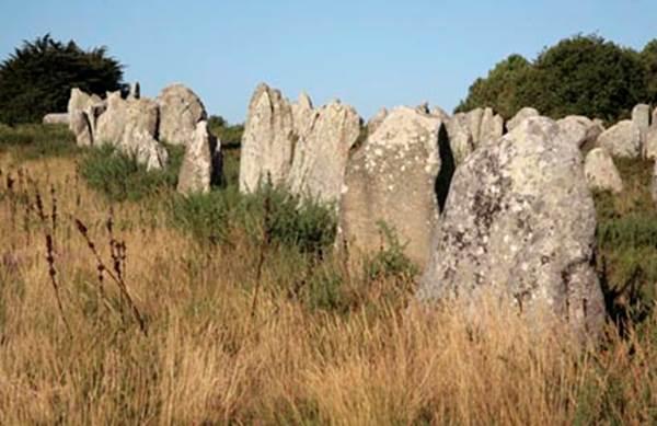 1-Alignements-Carnac-Morbihan-Bretagne-Sud Centre des Monuments Nationaux