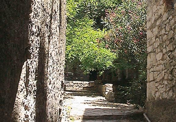 "Chambre d'hôtes ""La Maison du Farfadet"" – VEZENOBRES – location Gard"