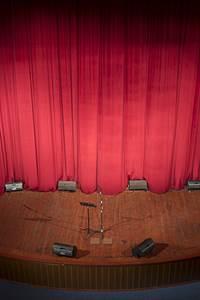 Théâtre - IOTA les petits riens