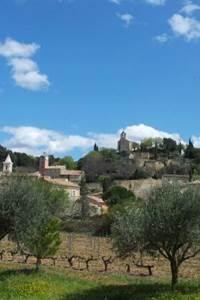 """Vénéjan, classé """"Petite Cité de Caractère d'Occitanie"""""""