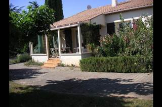 Jolie maison individuelle située sur un terrain arboré de 1380 m²