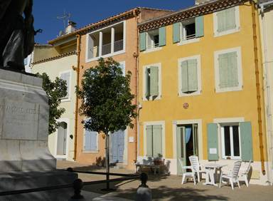 28 place de la république Leucate village 11370