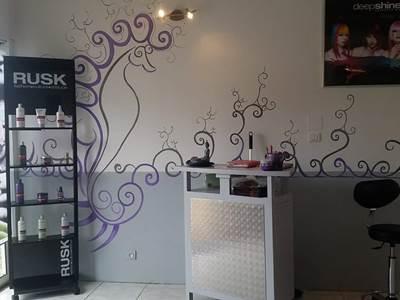 """Instant Beauté"" beauty institute Hair dresser"