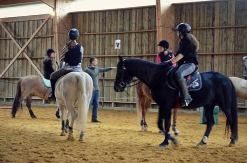 Ecurie du Frigoulas cours d'équitation en groupe © Ecurie du Frigoulas