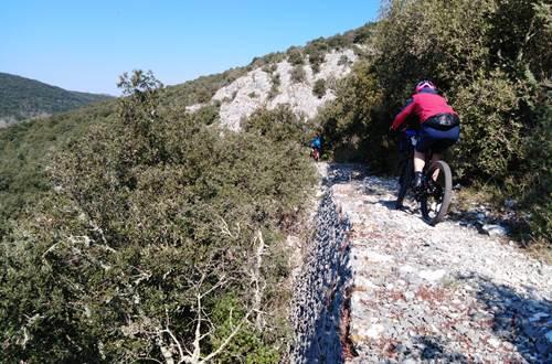 Vtt en Vallée de la Cèze © Office de Tourisme Provence Occitane