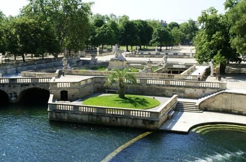Jardins de la Fontaine - Source Nymphée ©