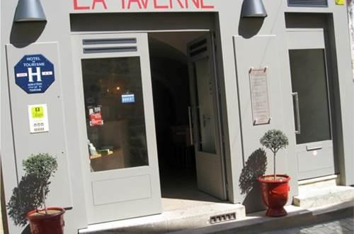 Hôtel La Taverne de Sophie Uzès Façade © Hôtel La Taverne de Sophie