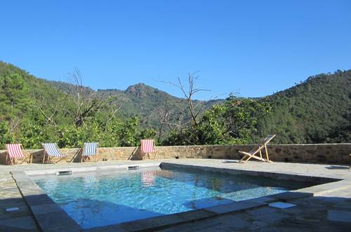 La piscine, avec vue panoramique ©