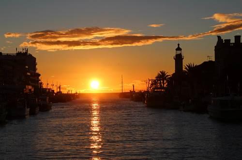 11c-coucher du soleil vieux canal du Grau du Roi-le 20déc2019, le jour le plus court ©