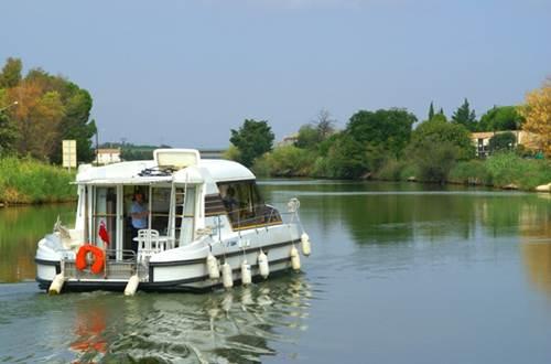 Croisière sur le Canal du Rhône à Sète ©