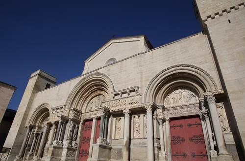 Abbatiale de Saint-Gilles  © Andy Messens