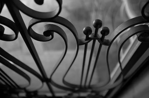 BARTHELEMY Marie - chambre croissant de lune détail rampe d'escalier © BARTHELEMY Marie