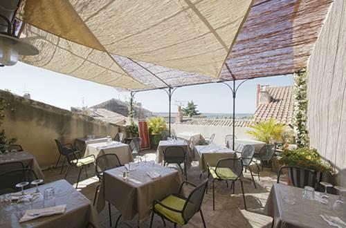 RESTAURANT LA PARENTHESE © Hostellerie Provençale