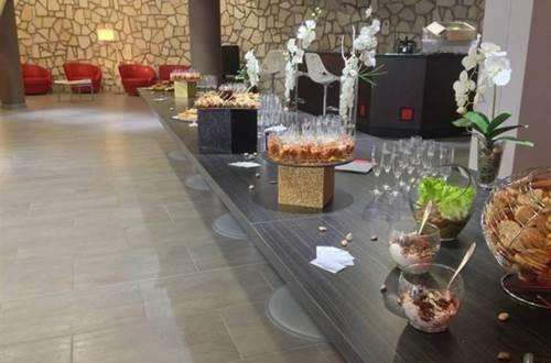Restaurant Traiteur Le Marypol présentation buffet  ©