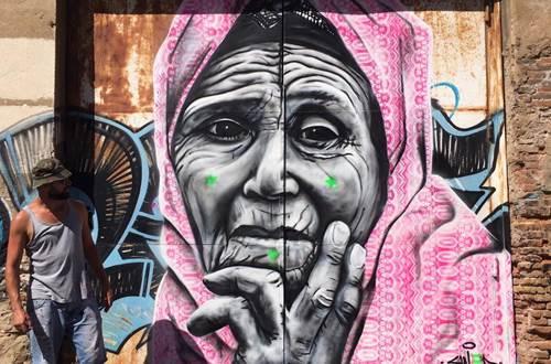 Raisonnable et humain - Swed artiste peintre - portrait femme © R&H - Swed