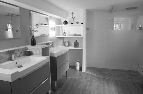 BARTHELEMY Marie - chambre clair de lune salle d'eau © BARTHELEMY Marie