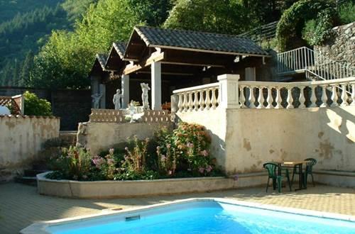 2012 Bruyères piscine ©