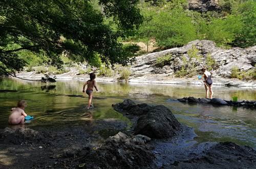 accès rivière guinguette ©