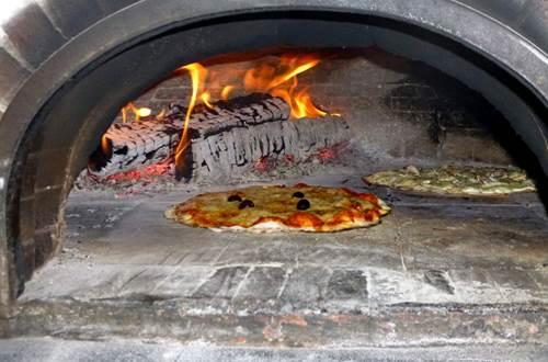 Pizza Feu de Bois Le Mouretou ©