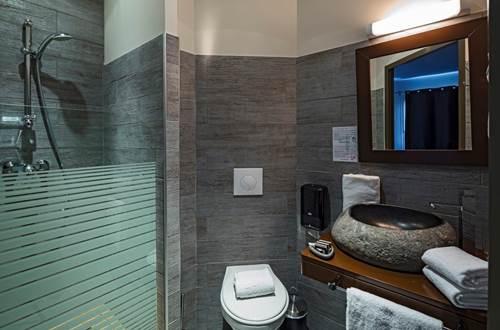 Hôtel Le Ya'Tis - Salle d'eau 2 ©