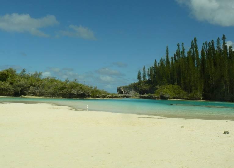Plage piscine naturelle île des Pins